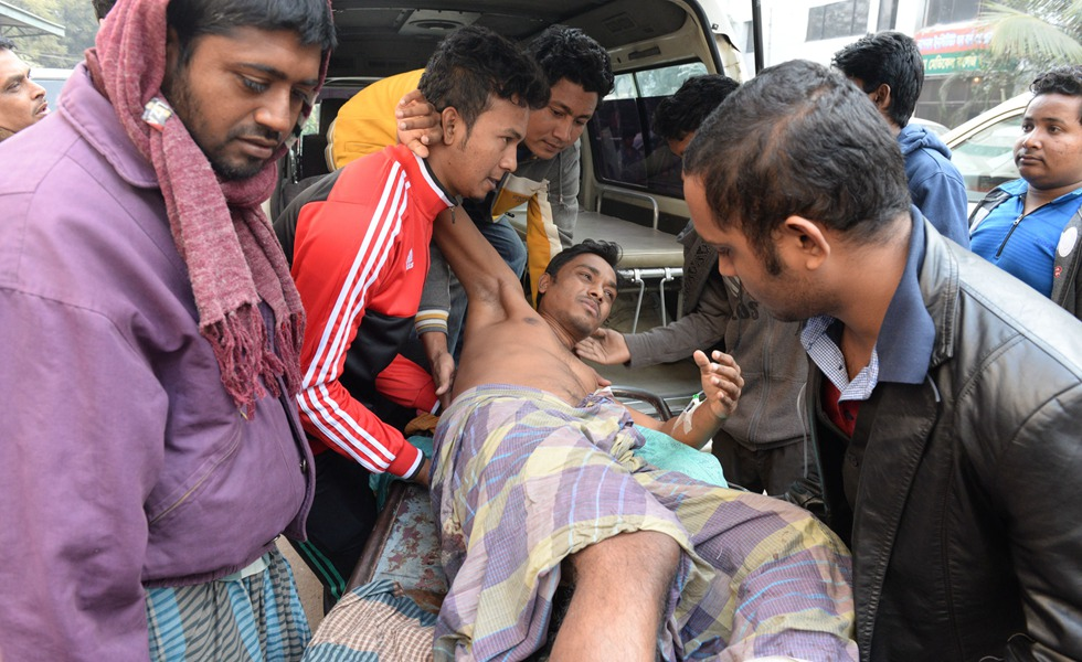 Situation in Bangladesh after a massive earthquake jolted neighboring India