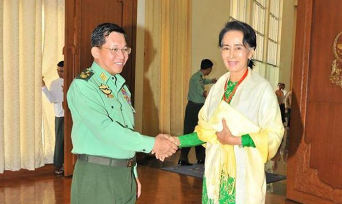Aung San Suu Kyi, military chief discuss new Myanmar gov't formation