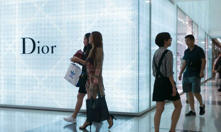 China Q2 growth stable but economy may need official policy nudge