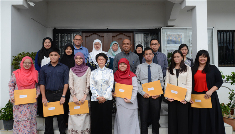 8 Chinese government scholarship recipients from Brunei will further studies in China