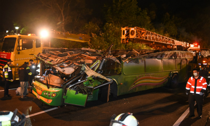32 killed in Taiwan tour bus crash, island's worst highway accident in decades