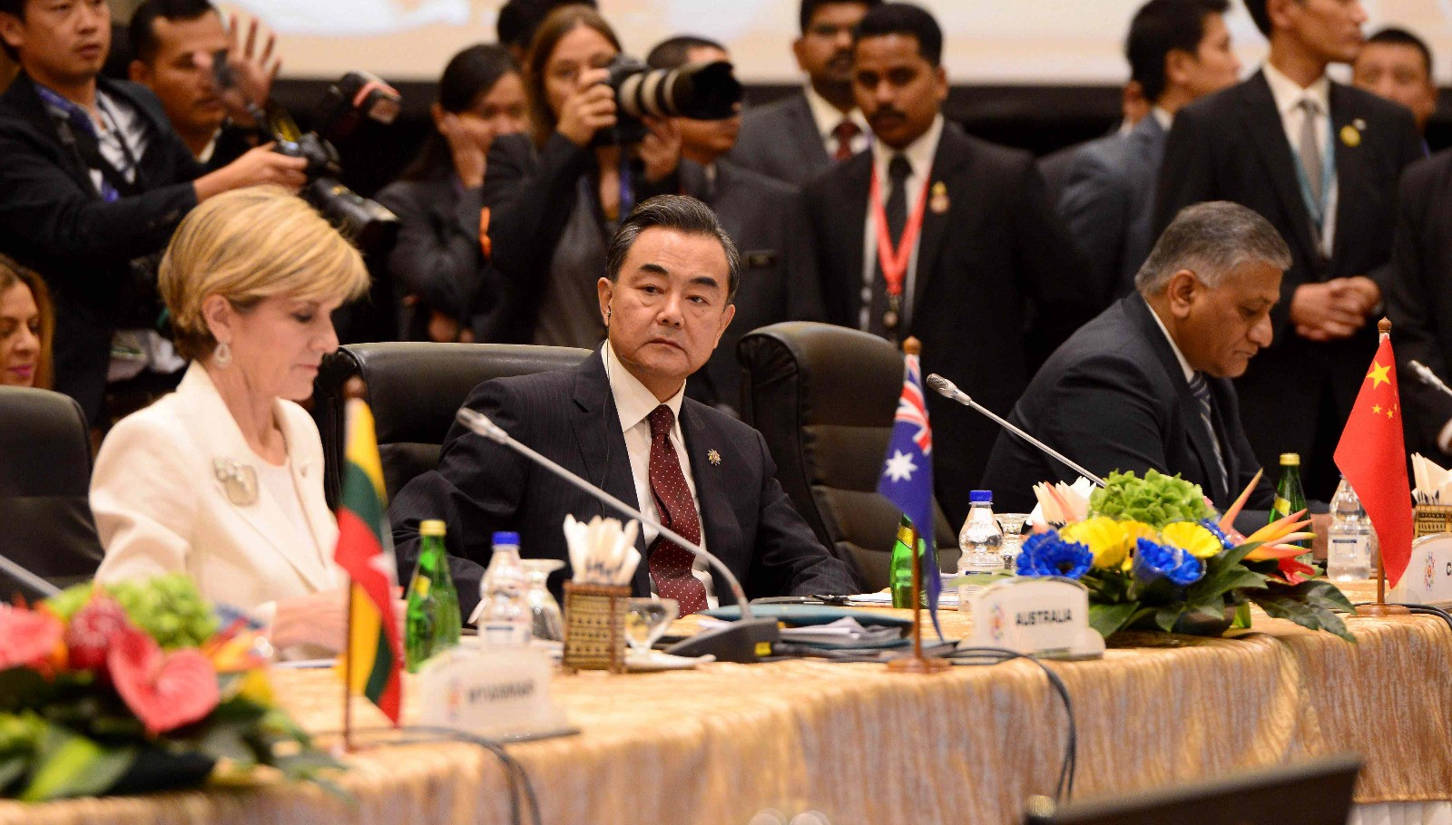 Chinese FM calls for closer cooperation among ASEAN, China, Japan, S. Korea