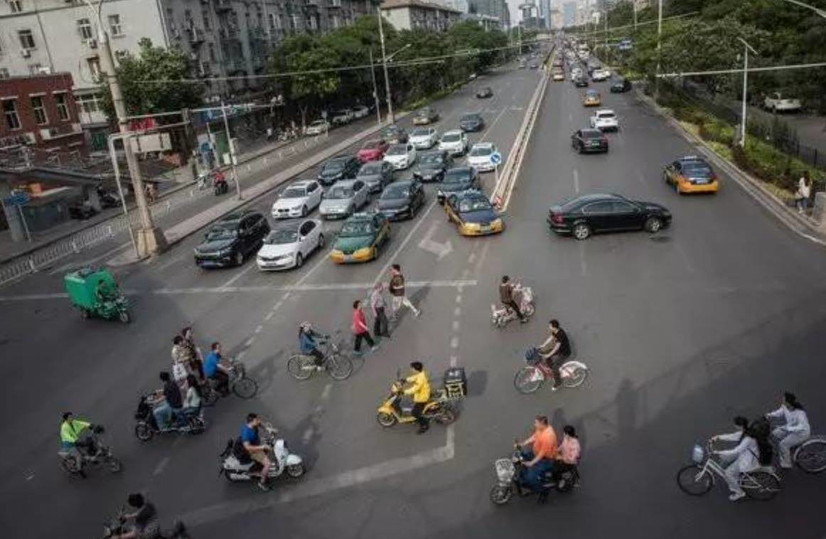 Drivers in Beijing to face fines for not giving way to pedestrians