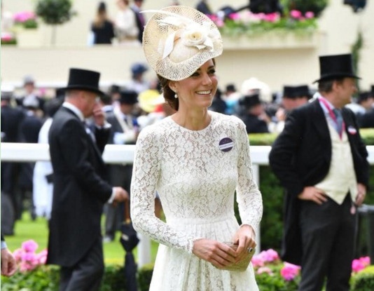 The Duchess of Cambridge's 5 royal rules of re-wearing